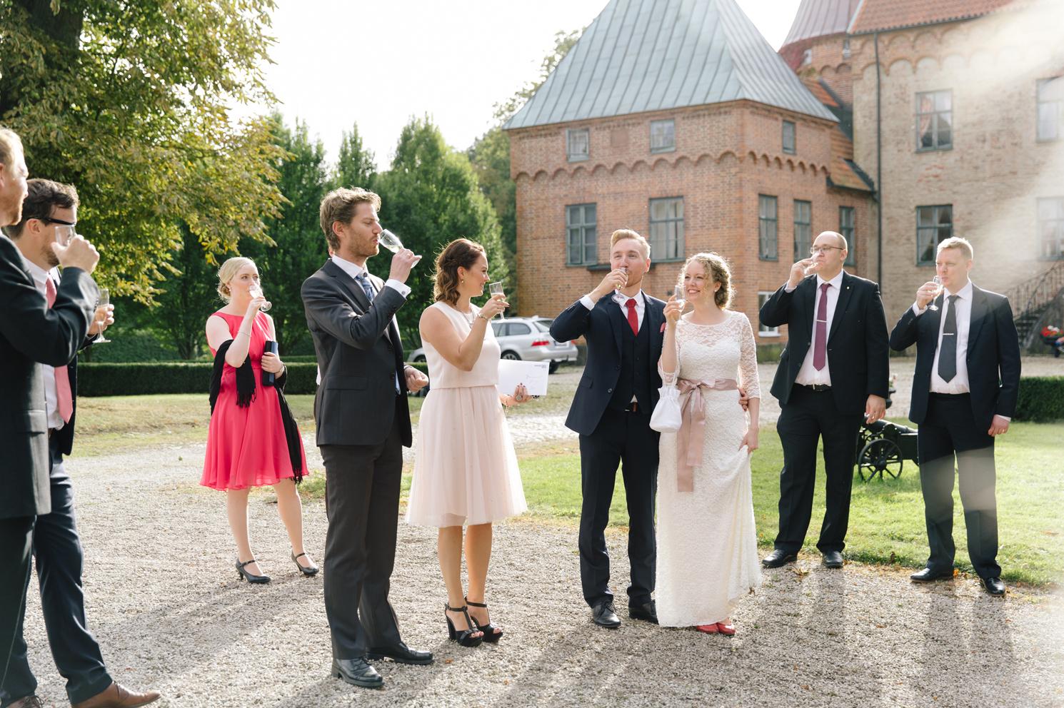 brollopsfotografering-maria-o-photo-vigsel-ortofta-slott-ortofta-kyrka-gratulationer-mingel-1