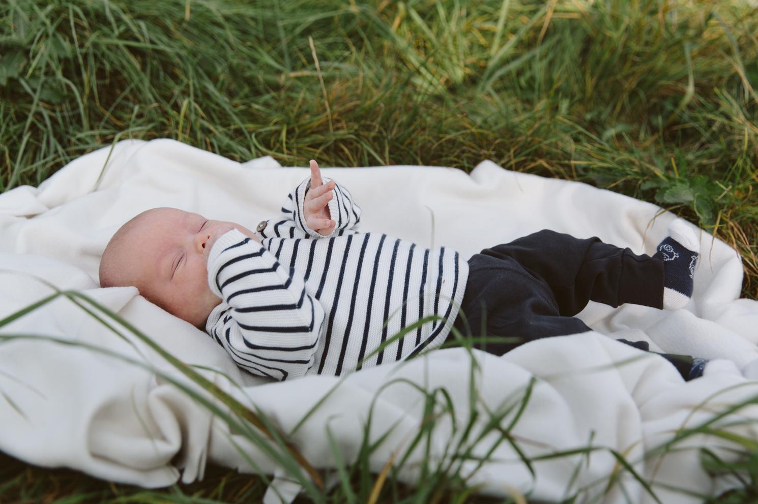 familjefotografering-barn-syskonfotografering-lillebror-storasyster-maria-o-photo-klagerup-10